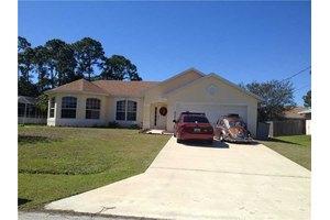 2290 SW Tampico St, Port St. Lucie, FL 34953