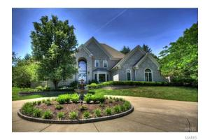 19300 Deer Pointe Estates Dr, Wildwood, MO 63038