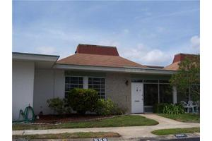 4360 Tahitian Gardens Cir Apt B, Holiday, FL 34691
