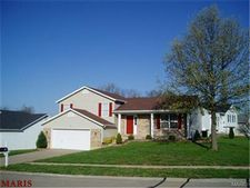 2 Red Cedar Ct, Saint Charles, MO 63303