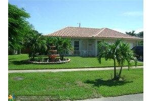 2484 Gabriel Ln, West Palm Beach, FL 33406