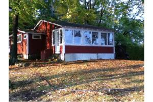 1 Escumbuit Rd, Derry, NH 03038