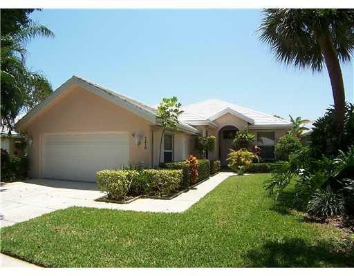 1215 Gator Trl West Palm Beach, FL 33409
