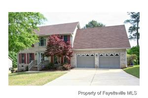 486 Greywalls Ct, Fayetteville, NC 28311
