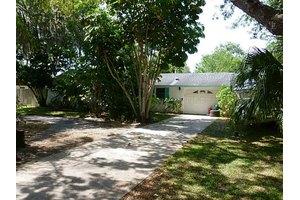 1709 Nebraska Ave, Palm Harbor, FL 34683