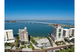 280 Golden Gate Pt Apt 5, Sarasota, FL 34236