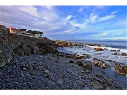 1017 Ocean View Blvd, Pacific Grove, CA 93950