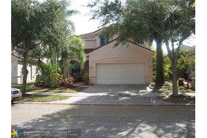 653 Vista Meadows Dr, Weston, FL 33327