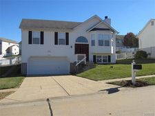 3086 Valley Oaks Dr, Imperial, MO 63052
