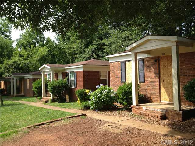 1655 dewberry ter charlotte nc 28208