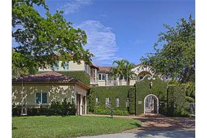 Photo of 7122 E Lago Dr,Coral Gables, FL 33143