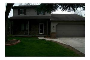 426 Chesterfield Ln, Maumee, OH 43537
