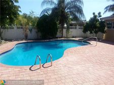 913 Se 14th Dr, Deerfield Beach, FL 33441