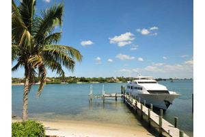 17545 SE Conch Bar Ave, Tequesta, FL 33469