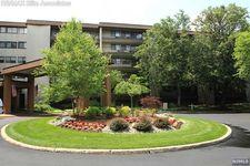 521 Piermont Ave Apt 429, River Vale, NJ 07675