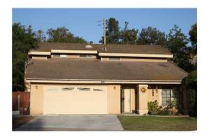 541 Pine Tree Pl, Escondido, CA 92025