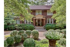 Photo of 2610 Selwyn Avenue,Charlotte, NC 28209