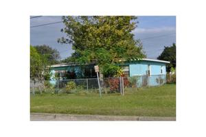 5513 16th St N, St Petersburg, FL 33703
