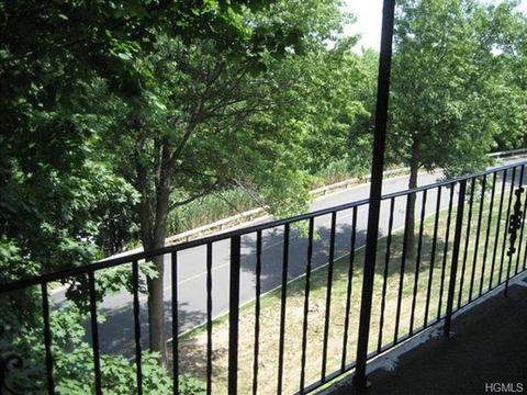 67 Omni Parc Dr, Nanuet, NY 10954