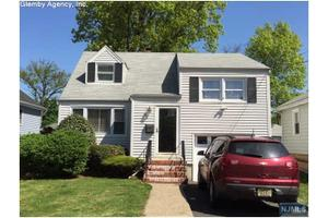 139 Hickory Ave, Bergenfield, NJ 07621