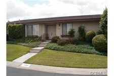 5988 Maybrook Cir, Riverside, CA 92506