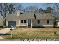 728 Elderberry Dr, Fayetteville, NC 28311