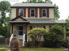 35 Ralph St, Bergenfield, NJ 07621