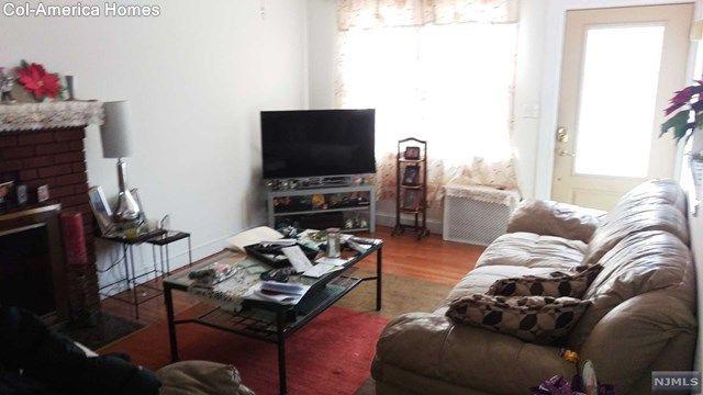 109 Bradley Ave, Bergenfield, NJ 07621