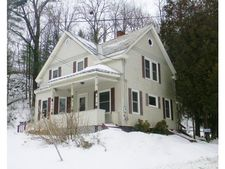 22 Lockwood St, Rockingham, VT 05101
