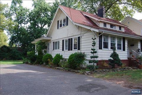 245 Fort Lee Rd, Leonia, NJ 07605