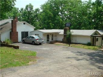 444 Schneider Hill Ct, Fenton, MO