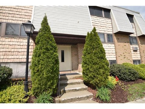 20 Pierces Rd Apt 56, Newburgh, NY 12550