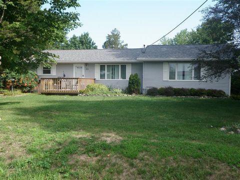 511 E Cedar St, Quasqueton, IA 52326