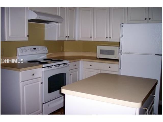 38 Cottonwood Ln, Hilton Head Island, SC 29926